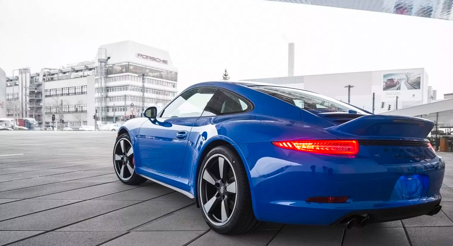 Porsche-911-GTS-Club-Coupe-3